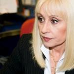 Raffaella Carrà depone lo scettro: 'È tempo di lasciare spazio a nuove showgirl'