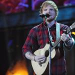 Ed Sheeran, incidente in bici e braccio fratturato. A rischio il tour
