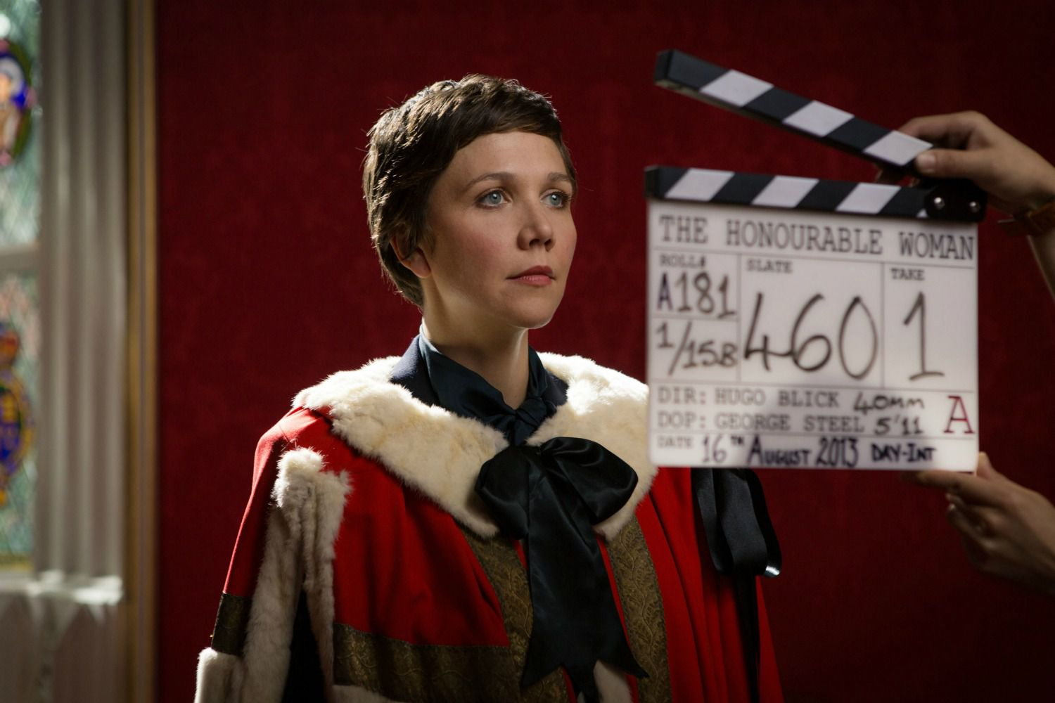 Maggie-Gyllenhaal-on-location