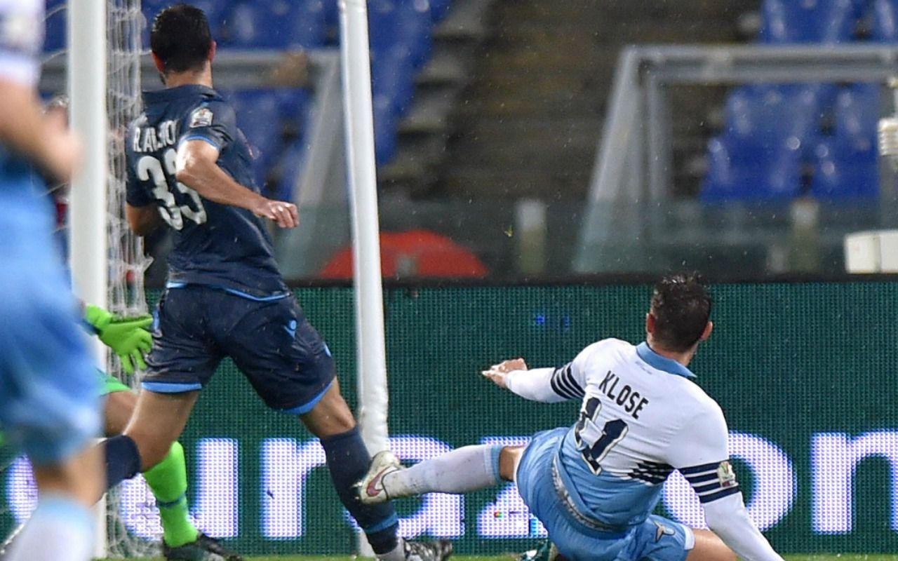 Ascolti tv, vince un pareggio: Lazio-Napoli su Rai1. Ed Emma torna regina dei social