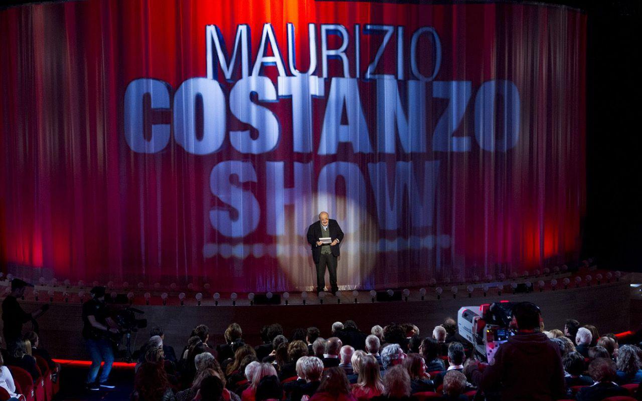 Maurizio Costanzo Show, ospiti Carlo Conti, Belen Rodriguez e Stefano De Martino