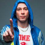 Fabri Fibra: su VH1 un'intera giornata dedicata al rapper