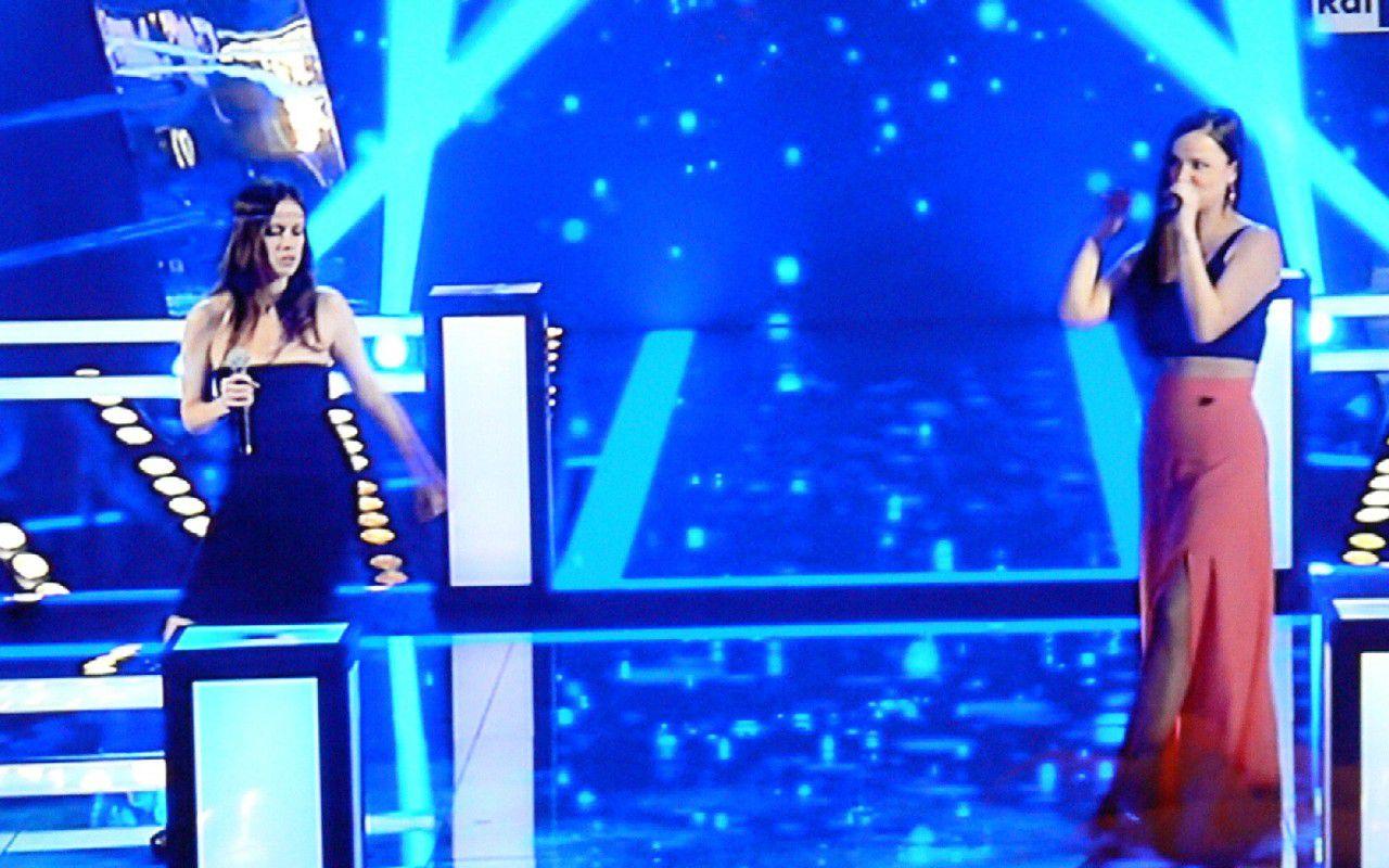 Chiara Iezzi si salva nella battle di The Voice of Italy, splendida Alessandra Salerno
