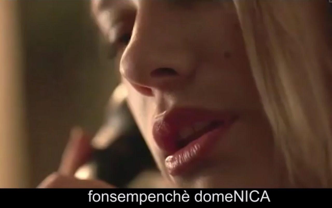 Tea Falco in 1992, arrivano i sottotitoli: l'ironia del web (il video)