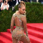 Met Gala New York: nude look per Beyonce, JLo e Kim Kardashian, Rihanna pulcino regale