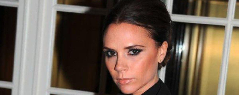 'Icona di anoressia': Victoria Beckham fa causa a una pizzeria