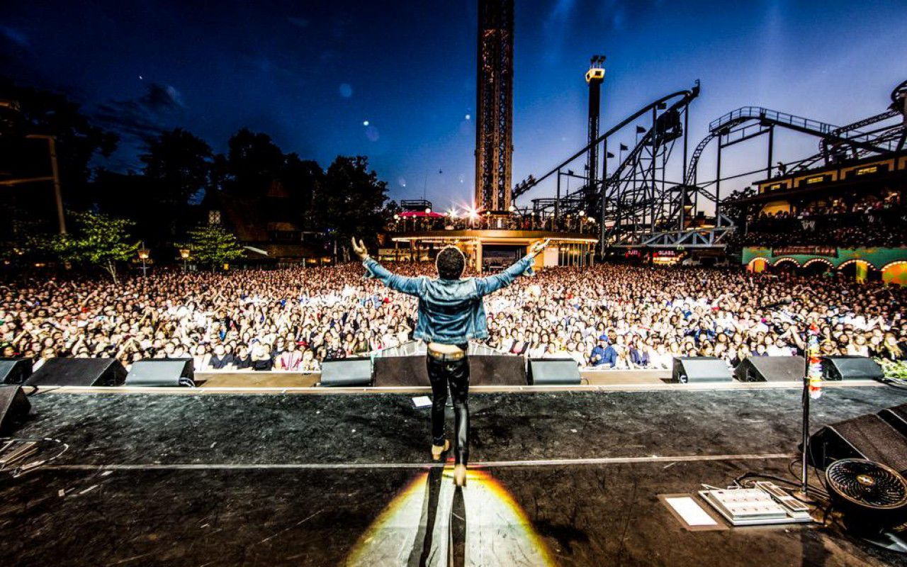 Lenny Kravitz, l'intimo non c'è e il concerto diventa #penisgate