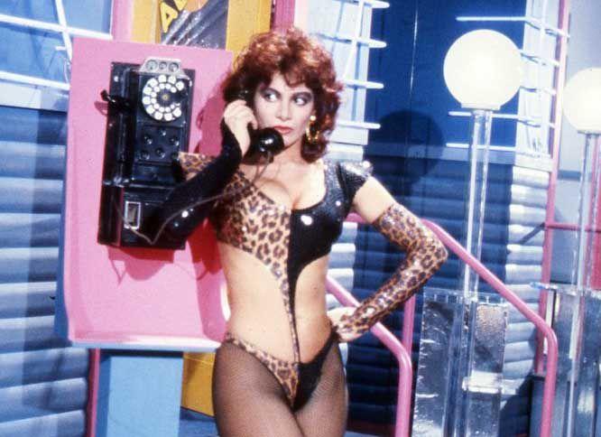 Dalle kessler a belen come sono cambiate le bellezze del piccolo schermo tvzap - Porno dive anni 90 ...