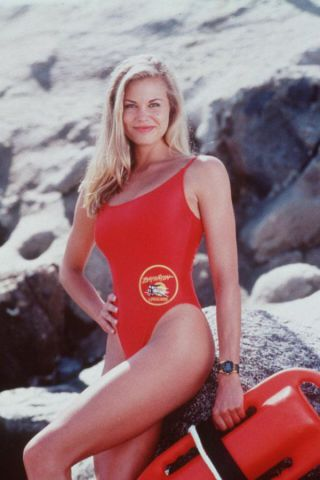 Baywatch come sono e come erano da David Hasselhoff a Pamela Anderson