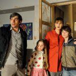 Un boss in salotto, il film con Paola Cortellesi, Luca Argentero e Rocco Papaleo