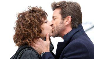 Provaci ancora prof! 6: il bacio tra Camilla e il vice questore Berardi