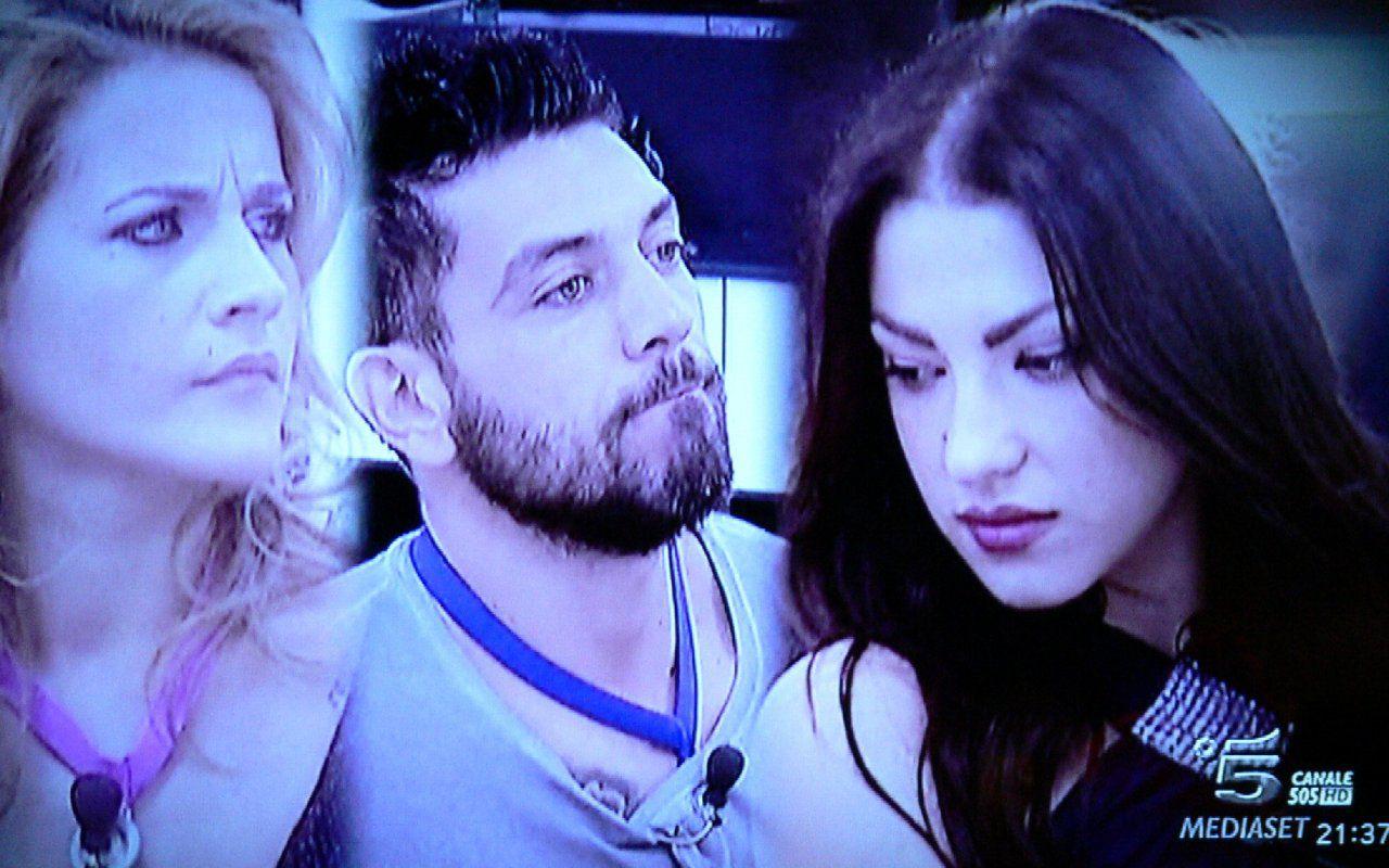 Grande Fratello, Alessia Marcuzzi dirige il dramma della gelosia tra Lidia, Alessandro e Federica