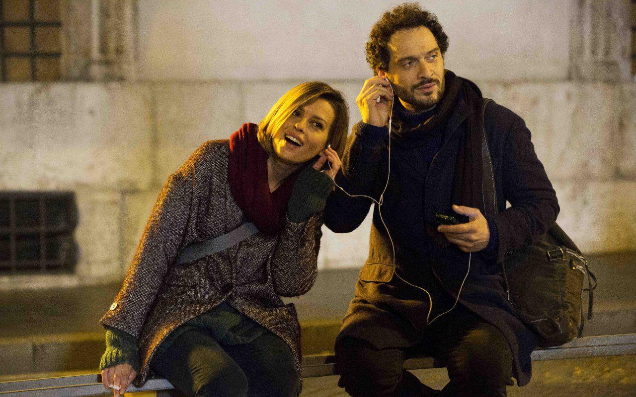 E' arrivata la felicità, dall'8 ottobre le peripezie d'amore di Claudio Santamaria e Claudia Pandolfi