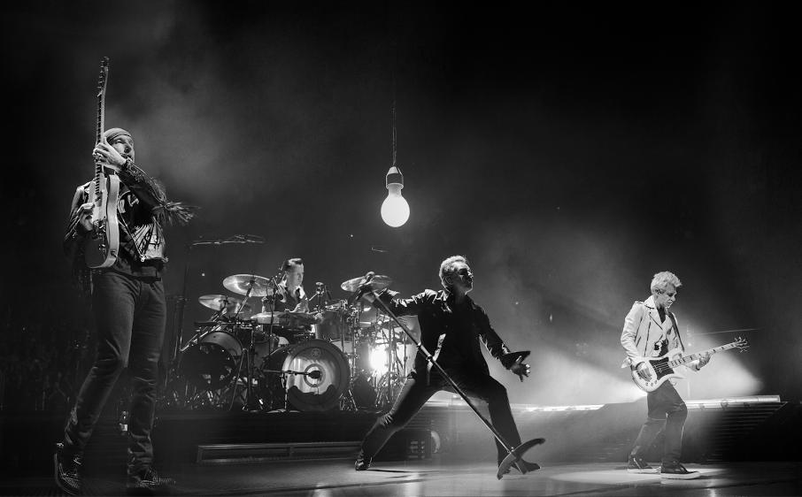 U2 live Paris
