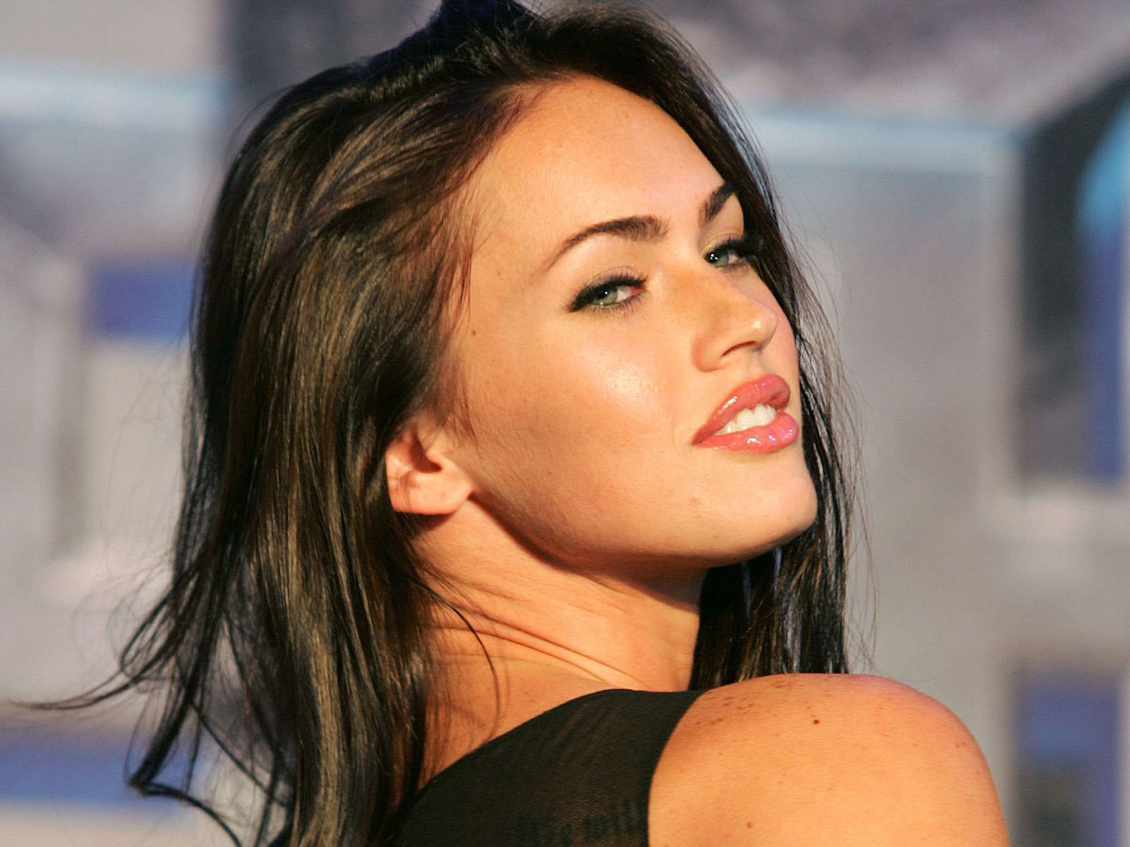 megan-fox-wallpaper-hd-megan-fox-to-make-transformers-5-comeback-jpeg-126121