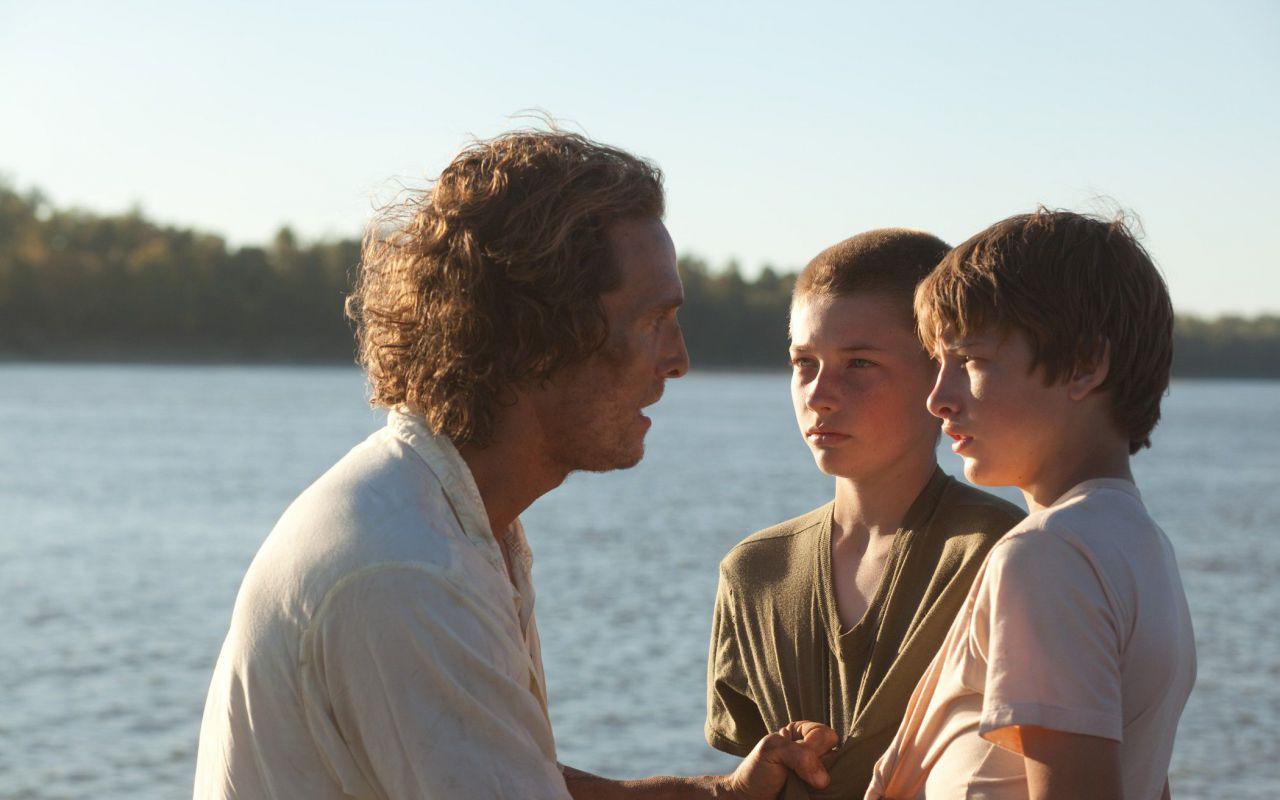 Mud, il romanzo di formazione di due ragazzi e del fuggitivo Matthew McConaughey