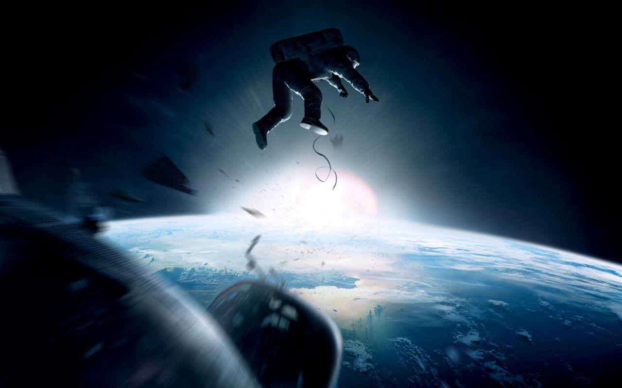 Gravity, vagare nello spazio infinito insieme a George Clooney e Sandra Bullock
