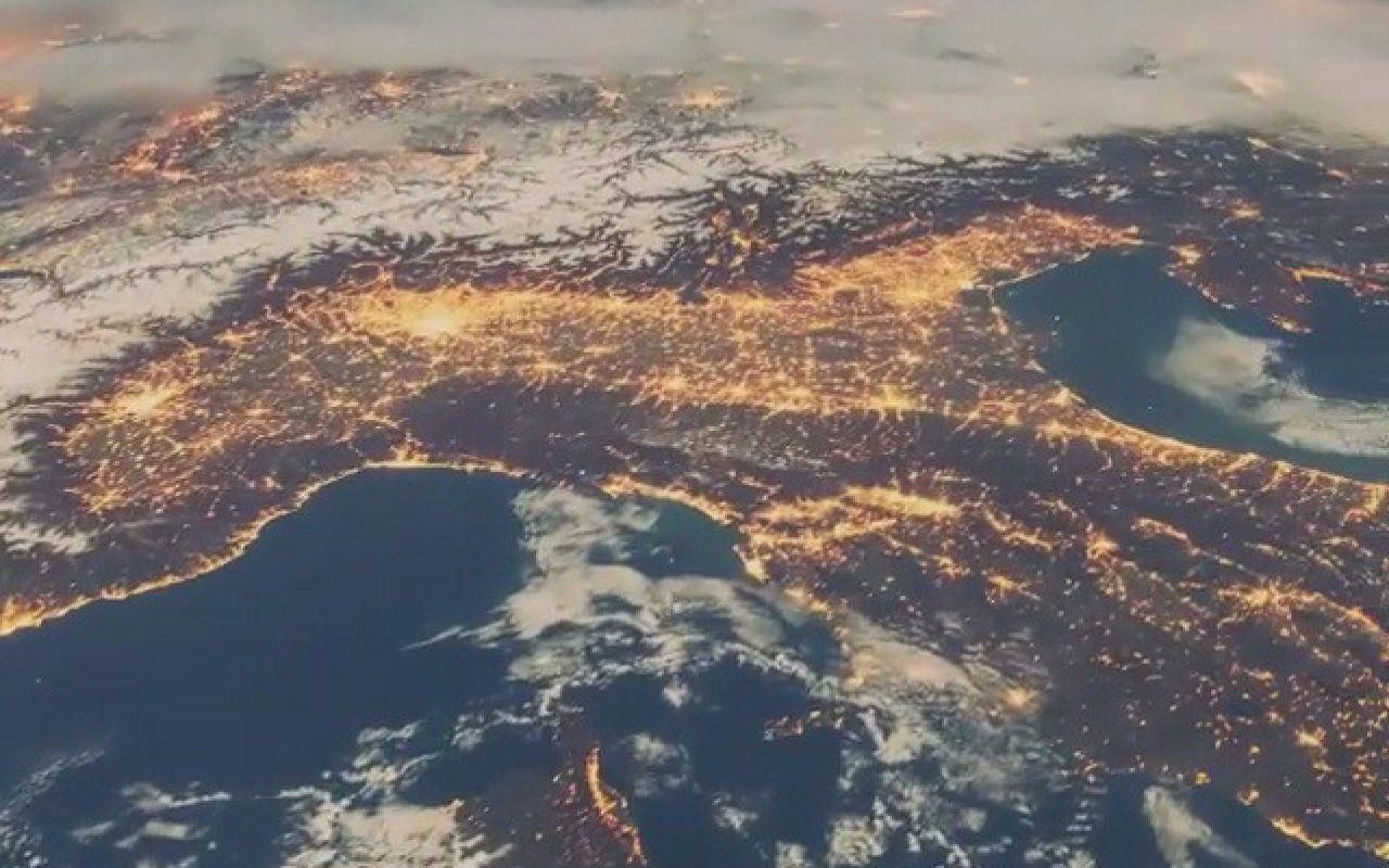 Iss, in volo sull'Italia: il timelapse di Tim Peake