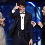 Sanremo 2016, Gabriel Garko elegantissimo non fallisce la prova del Festival