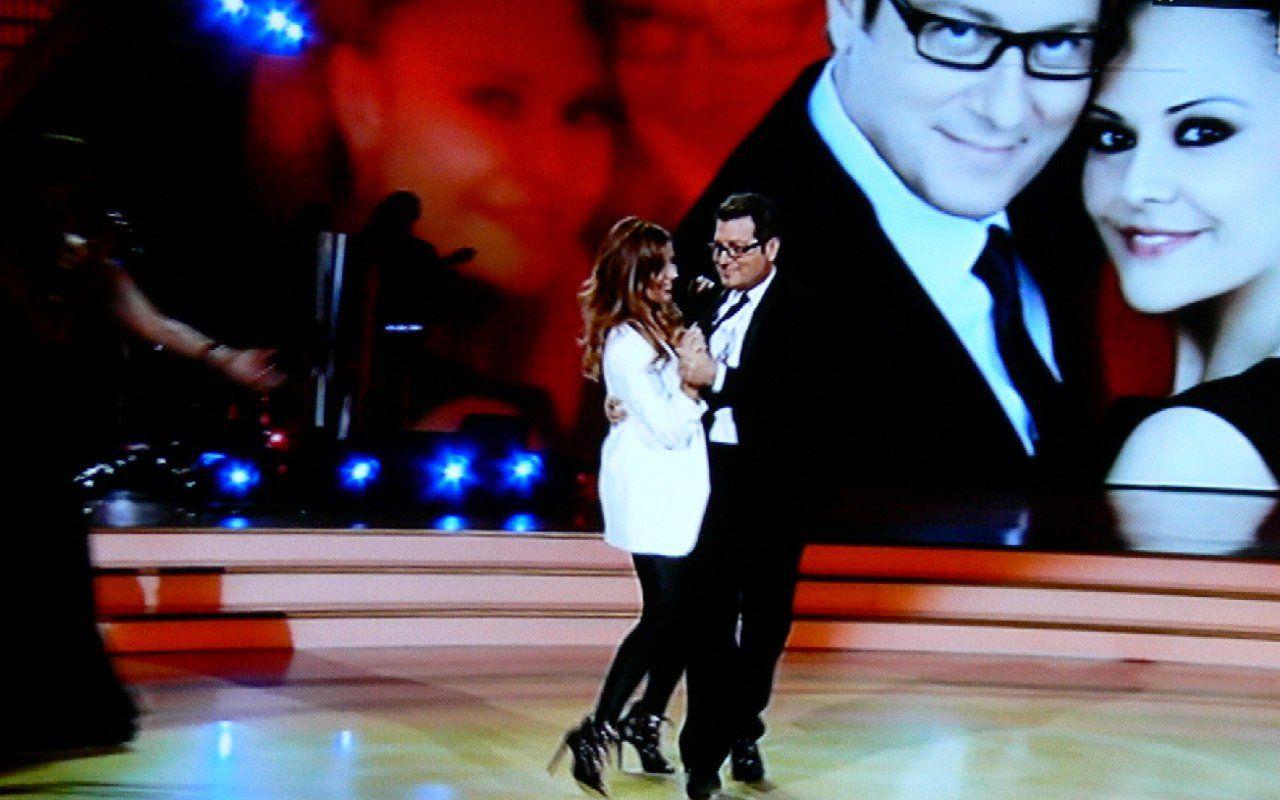 Ballando con le stelle: eliminato Enrico Papi