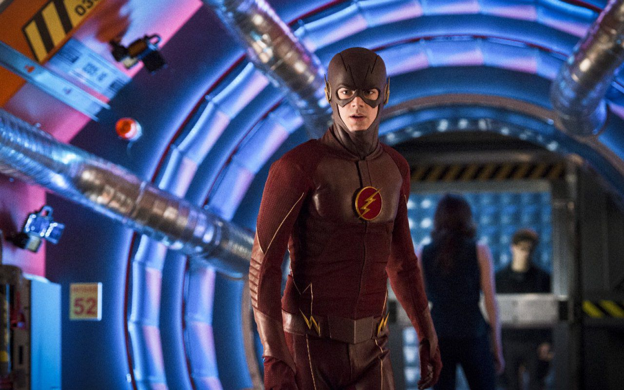 The Flash e Arrow, il super venerdì sera di Italia 1