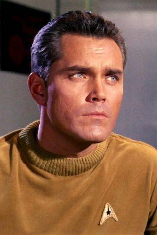 Star Trek, da William Shatner a Chris Pine fino a Michelle Yeoh tutti i capitani della saga