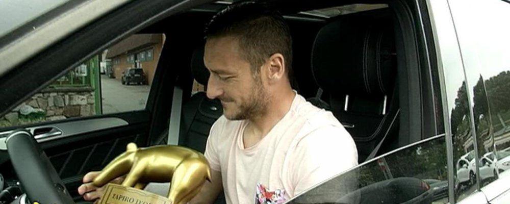 Striscia la notizia, Tapiro d'oro a Francesco Totti e Luciano Spalletti