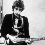 Bob Dylan compie 75 anni (nonostante Raffaella Carrà): la sua carriera in foto