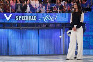 Verissimo Speciale Amici: Maria De Filippi, i coach e il cast incontrano Silvia Toffanin