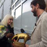 Striscia la Notizia, Tapiro d'oro a Raffaella Carrà per la gaffe su Bob Dylan