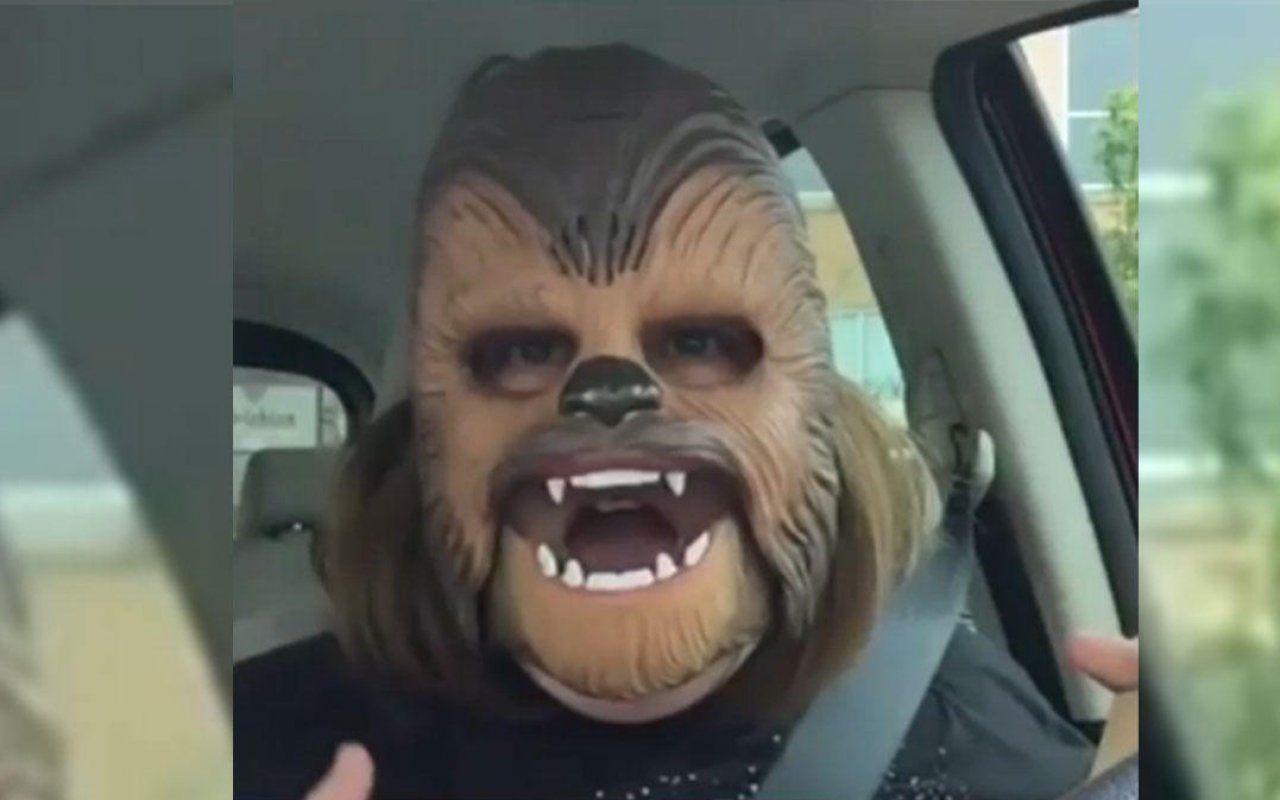 La mamma con la maschera di Chewbacca è il video più visto su Facebook Live