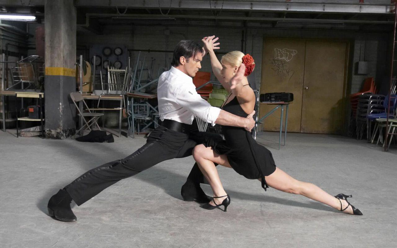 Ti va di ballare?, il 2 luglio i sensuali passi di danza di Antonio Banderas