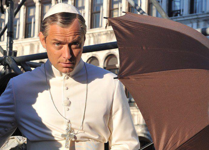 jude-law-pope-costume