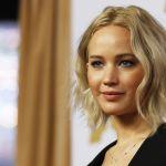 Bacio tra Jennifer Lawrence e Darren Aronofsky: l'attrice e il regista, galeotto fu il set