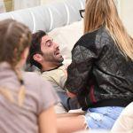 Bosco Cobos in lacrime, cosa penseranno le persone fuori dalla casa?