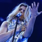 Emma Marrone, video sexy prima di salire sul palco