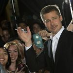 Brad Pitt alla presentazione di Allied, senza Angelina Jolie con Marion Cotillard