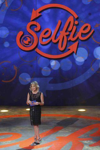 Selfie le cose cambiano, quinta puntata con il ritorno di Alessia Macari