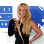 Britney Spears, al via il tour europeo con una gaffe virale
