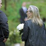 Carrie Fisher e Debbie Reynolds il saluto degli amici. Meryl Streep canta per la principessa Leila