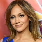Jennifer Lopez sexy su Instagram in reggiseno scatena i fan