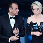 """Sanremo 2017, si chiude l'era Conti: """"Centomila euro ai terremotati"""""""