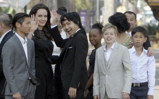 Angelina Jolie sorride di nuovo e la figlia Shiloh assomiglia sempre più a papà Brad Pitt