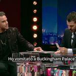E Poi C'è Cattelan, Robbie Williams: 'Ho fumato una canna a Buckingham Palace'. Il video