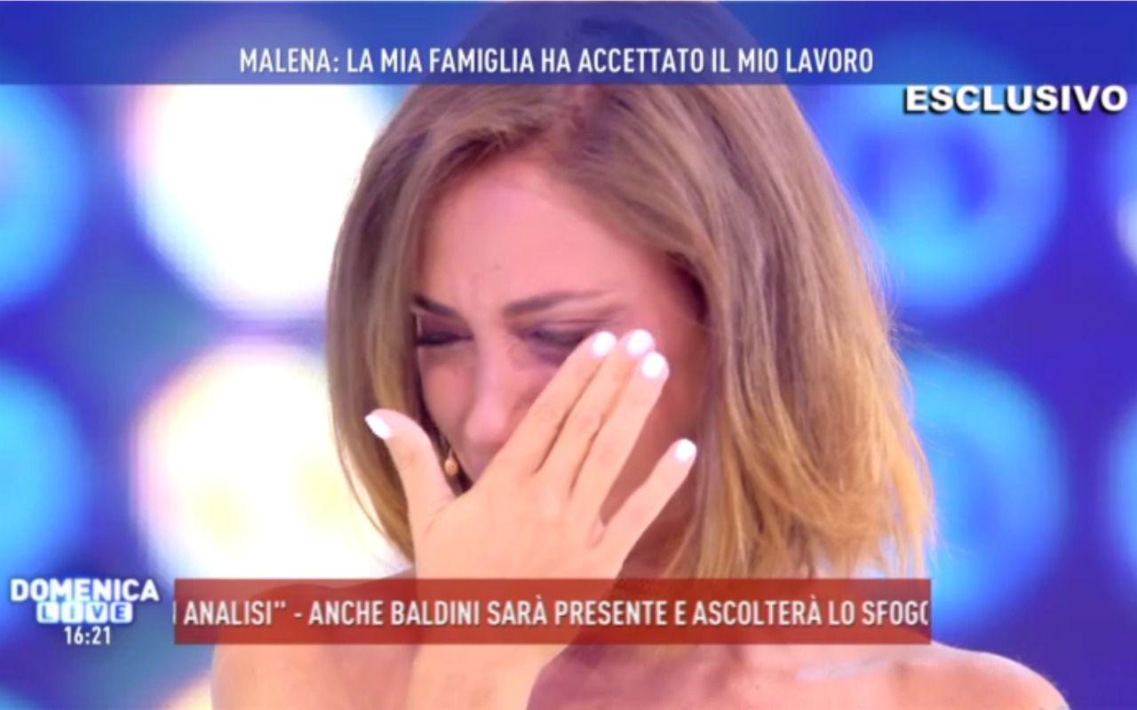 malena_piange_domenica_live