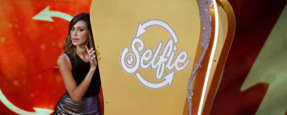 Selfie, Belen a Stefano De Martino: 'Una donna ha bisogno di attenzioni? Ora te ne rendi conto'