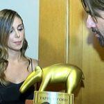 Striscia la notizia, Belen Rodriguez senza casco: 'Mi rovina la piega'