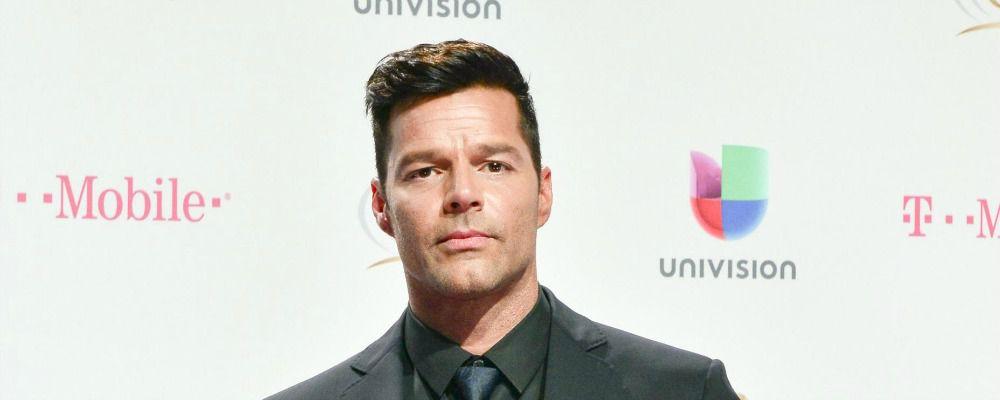 Ricky Martin con in braccio il cadavere di Gianni Versace: le foto dal set