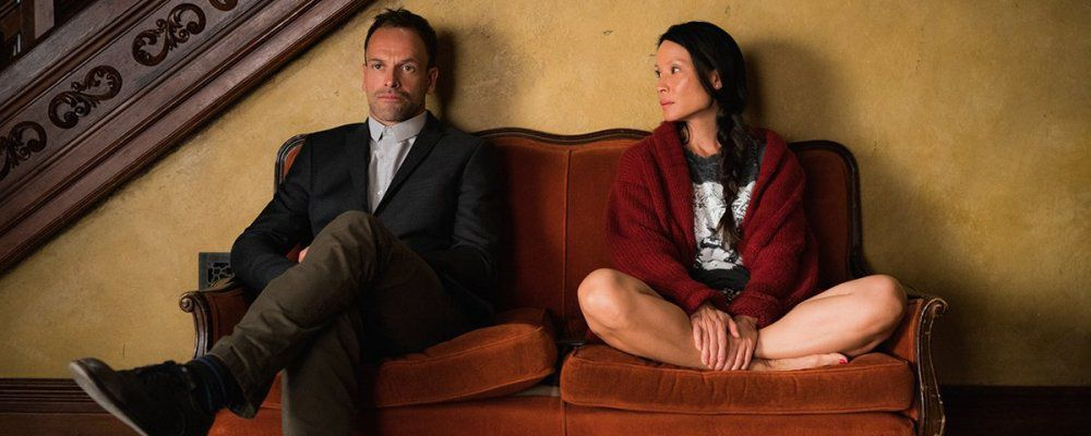 Kevin Costner cowboy in Yellowstone, rinnovo per Elementary