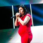 Giusy Ferreri, signora in rosso con pancione alle audizioni di X Factor